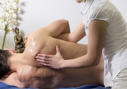 Cottonwood AZ massage therapy school student with volunteer